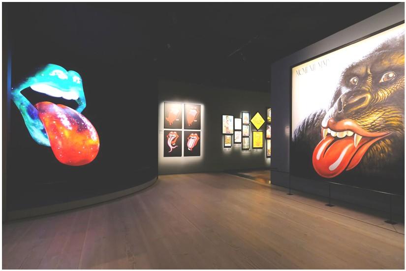 Exhibitionism Lips