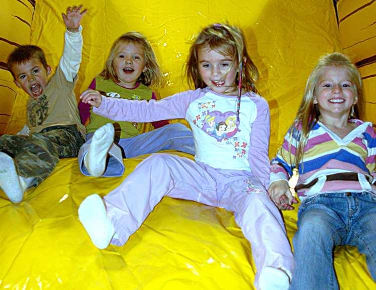 funflateables Sliding 4 kids 1