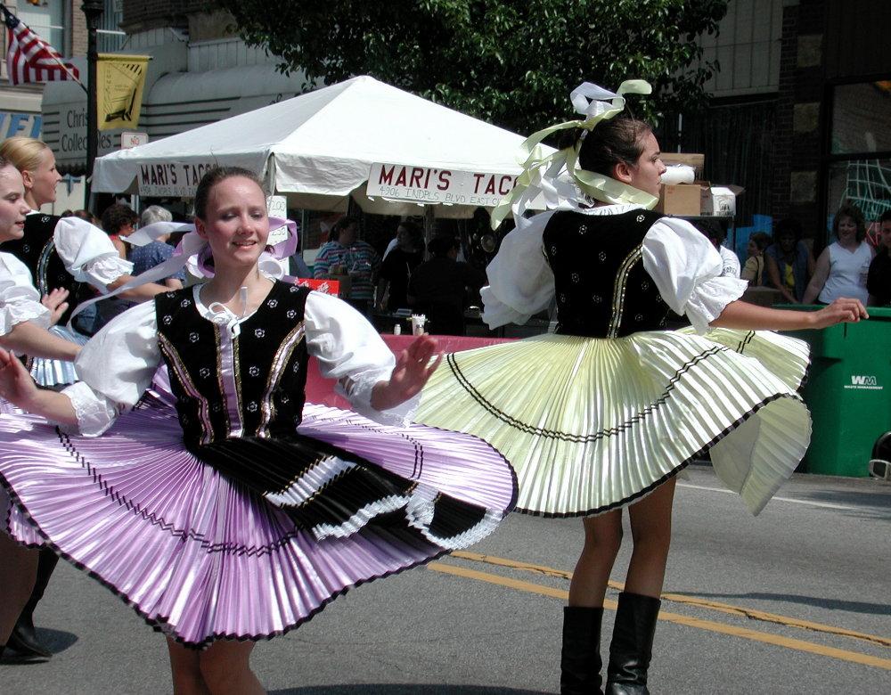 Pierogi festvial dancers