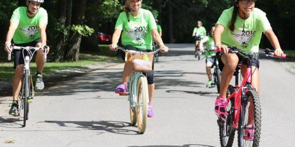 Cyclists at Tour de La Porte