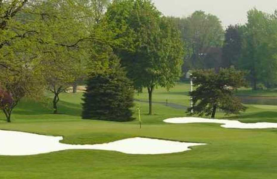 lansing country club golf open to the public