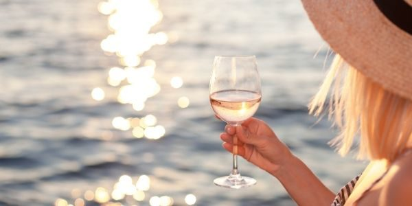 4 Safety Tips to Drink Responsibly this Summer