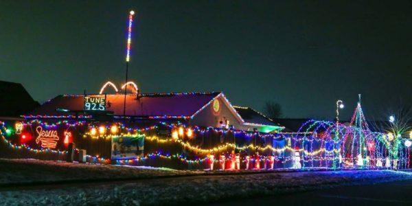 Bozak Family Christmas Light SHow Burns Harbor Indiana Valpolife