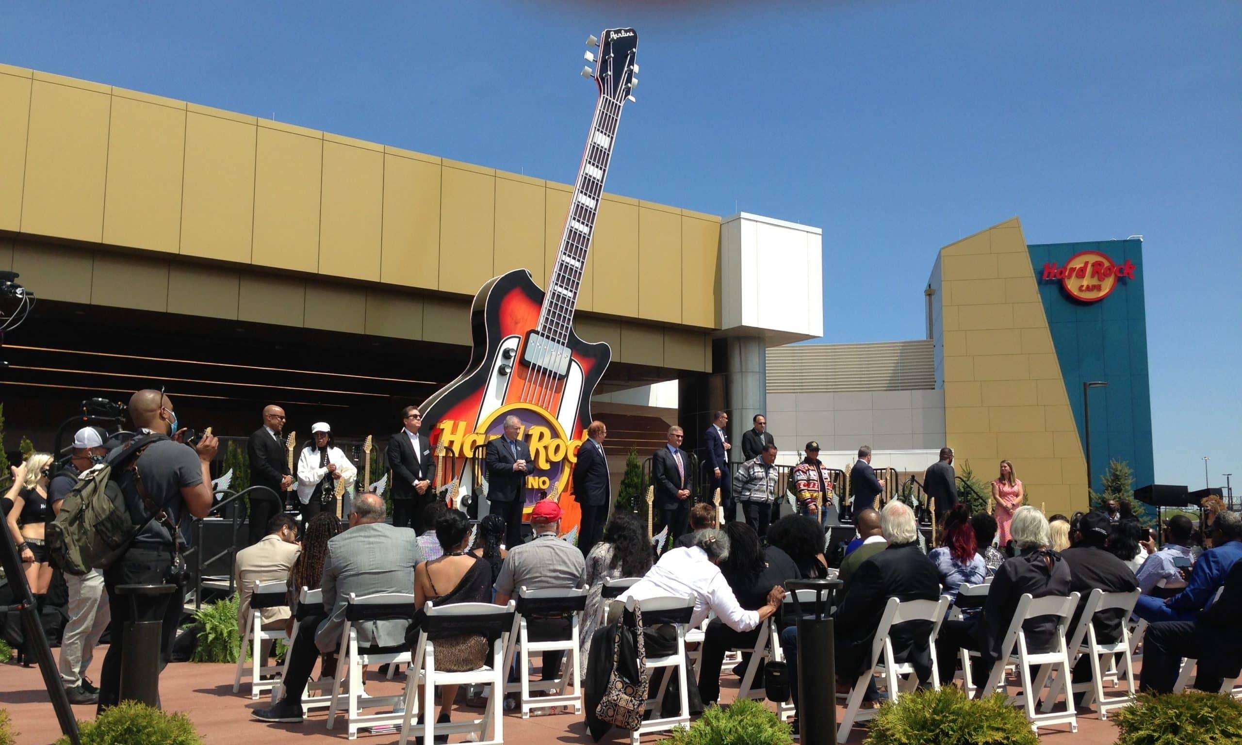 hardrock guitar smash scaled e1621521134325